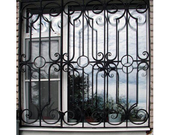 3 кованая решетка на окно