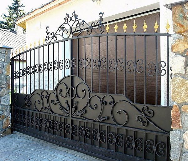 11 кованые откатные ворота