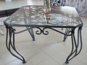 20 кованый стол