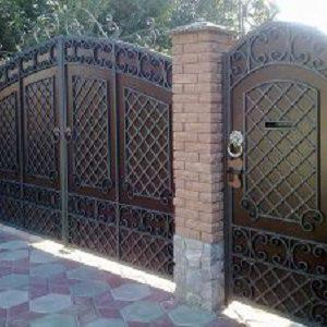 46-кованые-ворота-300x225