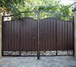 48-кованые-ворота-300x214
