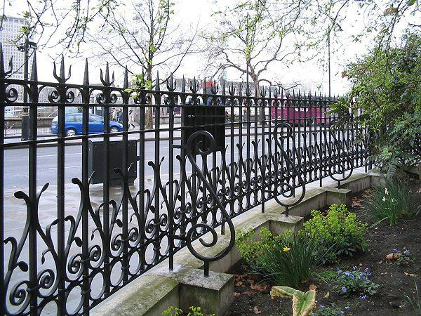 48 кованый забор