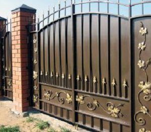53-кованые-ворота-300x225