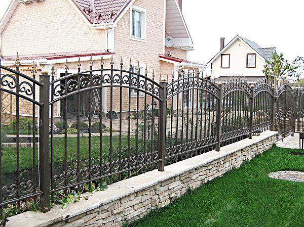 58 кованый забор