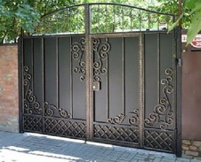 73-кованые-ворота-1-300x243
