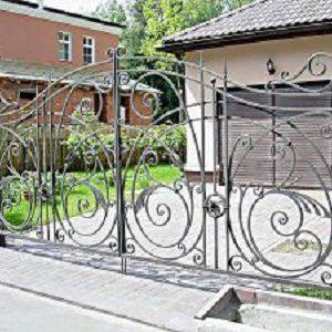 75-кованые-ворота-300x225