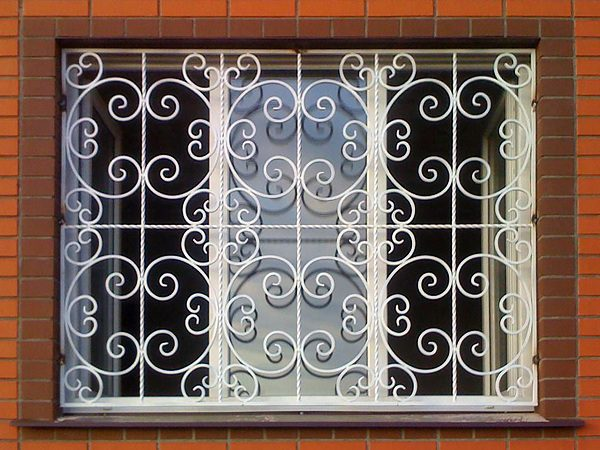 8 кованая решетка на окно