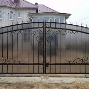 80-кованые-ворота-300x300