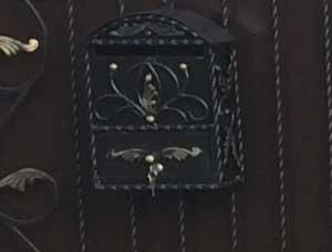 кованый-ящик-для-почты