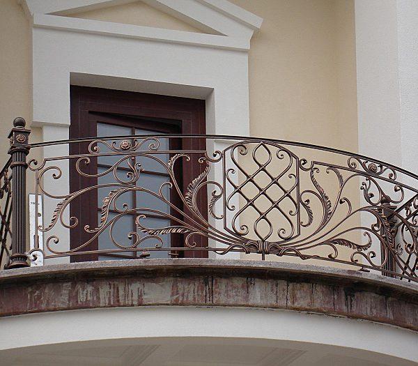 10 кованый балкон