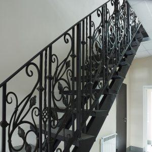 7 кованая лестница 1