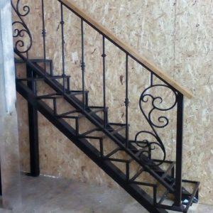 8 кованая лестница 1