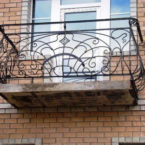 11 кованый балкон