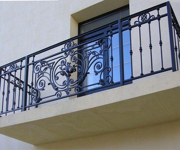 14 кованый балкон